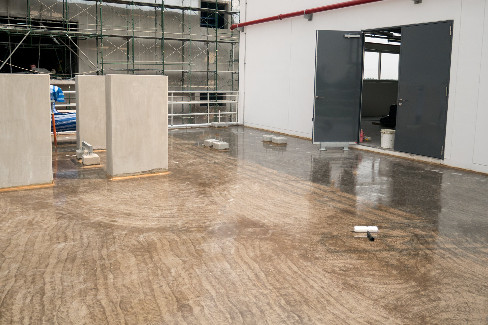 How Does Epoxy Flooring Change Perception of Floors?